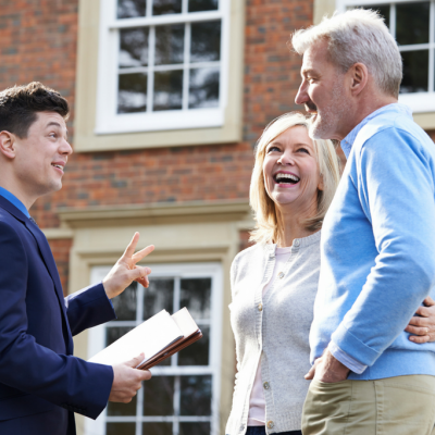 Are you looking for Real Estate Agent? Points To Consider