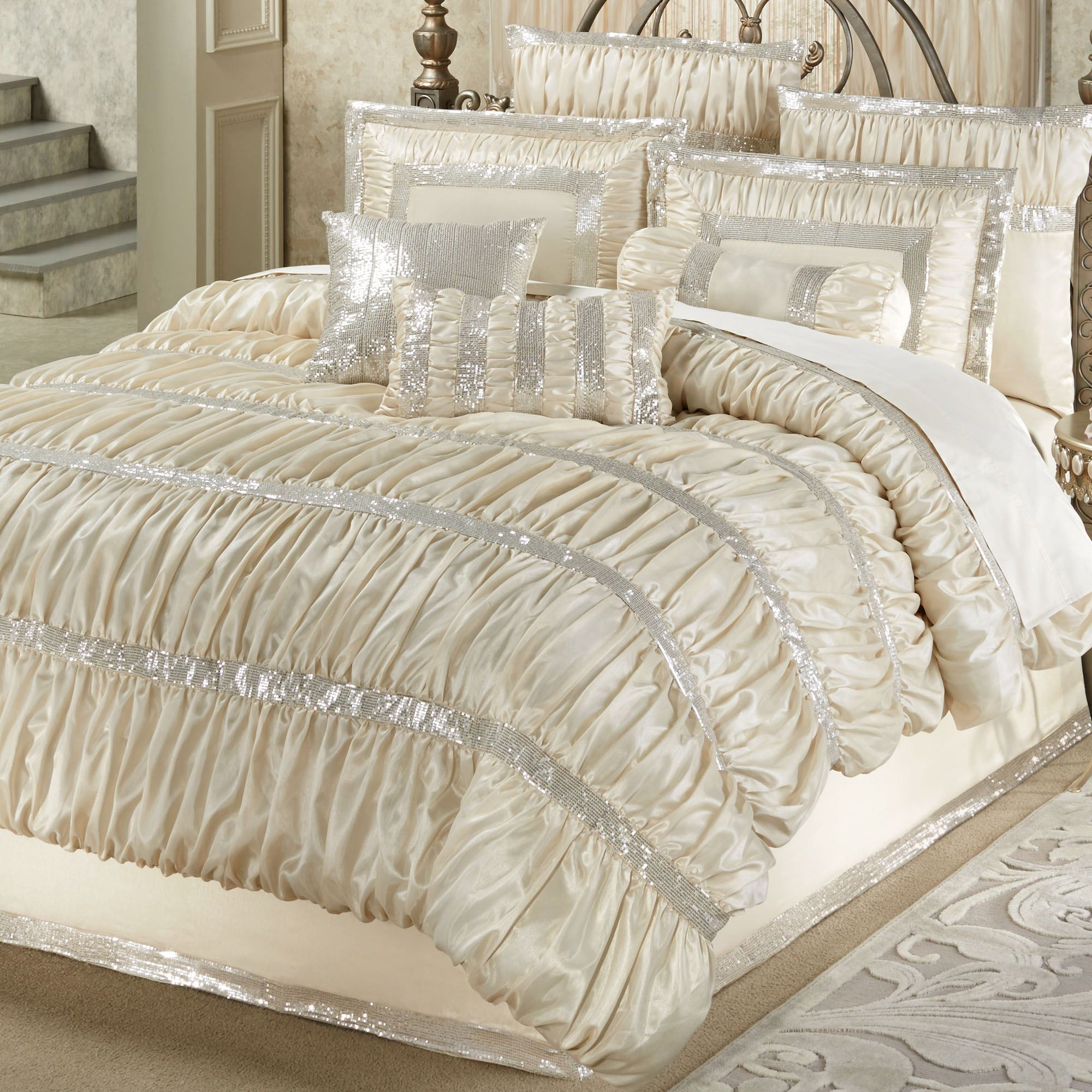 How To Properly Clean Your Bedding Set?